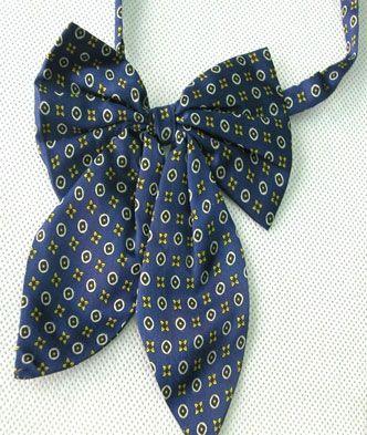 蝴蝶结领带